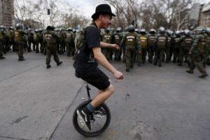 Kuo keliauti į darbą: senoviniu dviračiu, vienračiu, o gal – riedlente?