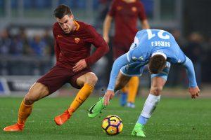 """Italijos taurė: Romos derbyje """"Lazio"""" pranoko """"Roma"""" futbolininkus"""