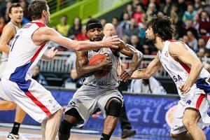 R. Butauto treniruojami VEF krepšininkai tik po labai atkaklios kovos nusileido CSKA