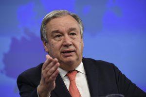 """JT generalinis sekretorius A. Guterresas pareikalavo nutraukti """"kvailą"""" karą Jemene"""