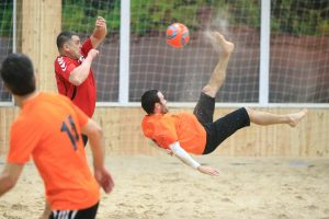 Paplūdimio futbolo pirmenybės: kova dėl medalių aštrėja