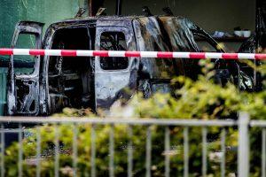 Ataka prieš Nyderlandų laikraščio redakciją: įlėkė mikroautobusas (atnaujinta)
