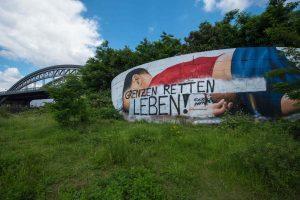 Vokietijos vandalai išniekino nuskendusiam sirų berniukui skirtą meno kūrinį