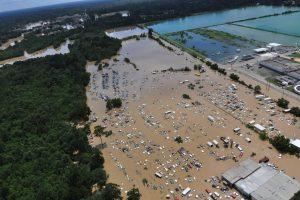 Per istorinius potvynius Luizianoje žuvo 11 žmonių, užlieta 40 tūkst. namų