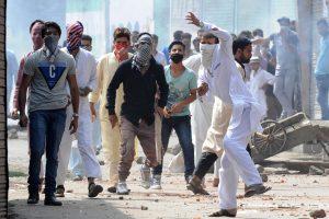 Pakistane susisprogdinus savižudžiui sužeisti keturi policininkai