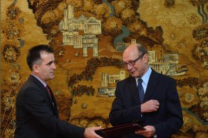 Buvusiam Rumunijos prezidentui suteikta Moldovos pilietybė