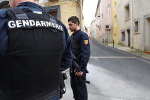 """Prancūzijoje """"neišvengiamą"""" išpuolį ruošėsi vykdyti ir 16-metė"""
