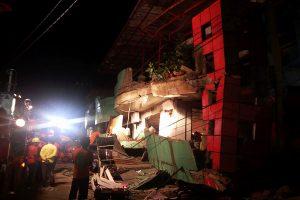Filipinuose stiprus žemės drebėjimas sukėlė paniką