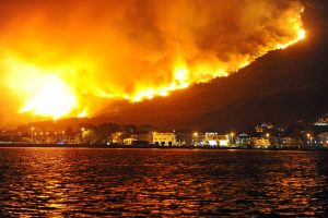 Kroatijoje miško gaisrai kelia pavojų svarbiam uostui