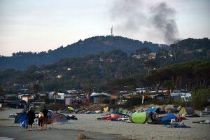 Prancūzijos ugniagesiai suvaldė didžiulį gaisrą prie Viduržemio jūros
