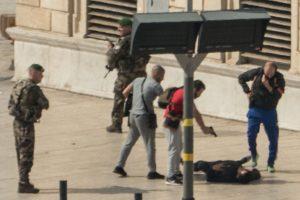 Marselio atakos įtariamasis išpuolio išvakarėse buvo paleistas iš areštinės