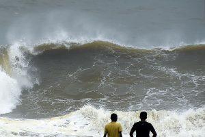 Indijoje ir Šri Lankoje per galingą cikloną žuvo mažiausiai 16 žmonių