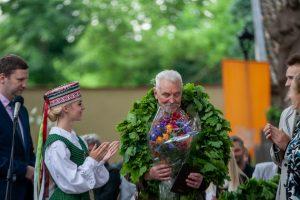 """Pagerbtas """"Poezijos pavasario"""" laureatas poetas ir vertėjas A. Grybauskas"""