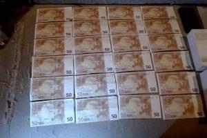 Dvyliktokų iš Panevėžio rankose – šūsnis netikrų pinigų
