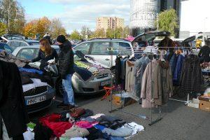 Atvėsęs oras Bagažinių turgaus prekiautojų negąsdina