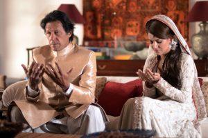 Pakistano kriketo legenda Khanas vedė buvusią BBC žurnalistę