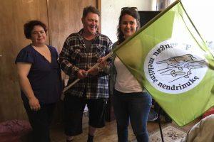 Retus paukščius globojantiems ūkininkams – specialios vėliavos