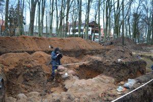 Palangoje archeologai rado dvarvietės pamatus