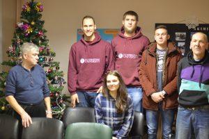 Studentai su dovanomis aplankė uostamiesčio benamius
