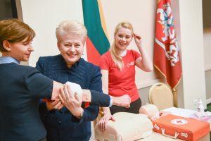 Prezidentė apie pirmosios pagalbos kampaniją: išgelbėta gyvybė – žmogiškiausia dovana