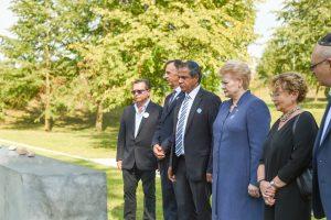 Holokausto aukas pagerbusi prezidentė: tai mūsų istorija