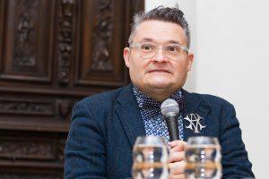 Mados istorikas A. Vasiljevas Lietuvoje pristato dar vieną parodą