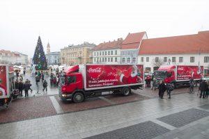 Nuo Vilniaus Rotušės aikštės pajudėjo jubiliejinis Kalėdų karavanas