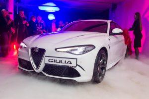 """Į Lietuvą atkeliavo naujoji """"Alfa Romeo"""" žvaigždė – sedanas """"Giulia"""""""