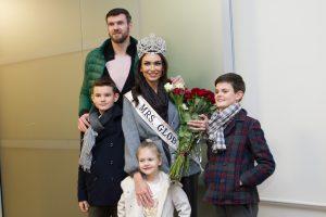 """Į Lietuvą parvyko """"Misis Pasaulis 2018"""" triumfavusi T. Lavrinovič"""