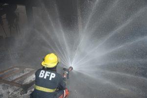 Filipinuose per gaisrą avalynės fabrike žuvo 72 žmonės