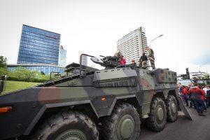 Kaune – galimybė pamatyti techniką ir pabendrauti su kariais