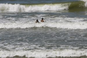 Šiltas šeštadienis paplūdimiuose praėjo ramiai
