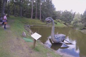 Palangoje kratomasi dinozaurų ir vabzdžių