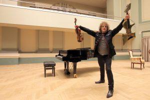Smuiko rokerio širdyje – meilė klasikai ir rokenrolui