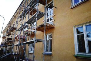 Remontuoja avarinės būklės balkonus