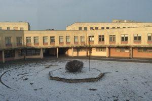 Apskritojo kiemo mokyklose – amžinos šildymo ir vandens problemos