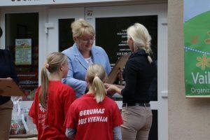 Ministrę maloniai nustebino Dzūkijos vaikai