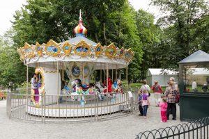 Sostinės Bernardinų sode vėl suksis karuselė