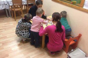 """Akcijos """"Sukurkime Kalėdų stebuklą"""" organizatoriai: vaikams svarbiausia – dėmesys"""