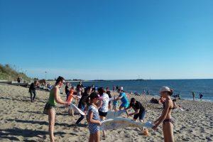 Klaipėdiečius į paplūdimį viliojo rankšluostinis