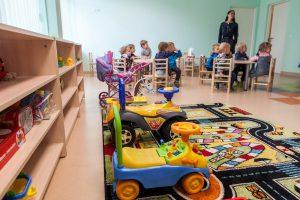 Sostinėje eilės darželiuose dar laukia beveik 2 tūkst. vaikų