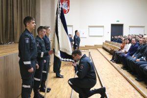 Iškilmingai prisiekė Lietuvos policijos mokyklos kursantai