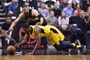 """NBA: J. Valančiūno trinktelėjimas D. Saboniui ir istorinis """"Raptors"""" pasiekimas"""