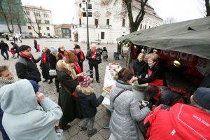 """""""Maltiečių sriubos"""" akcijoje aukoja ir vaikai"""