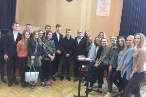 Poezijos magija: susitikimas su A. Marčėnu