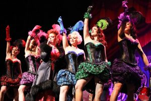 Londono kabareto žvaigždės nušvis ir Klaipėdoje