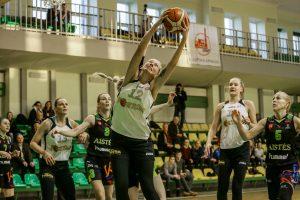 """""""Fortūnos"""" krepšininkės neturėjo vargo su """"Aisčių-LSU"""" komanda"""