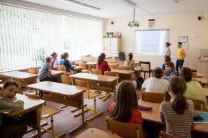 Silpnoms mokykloms teiks išskirtinę pagalbą