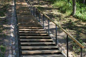 Baigti tvarkyti laiptai Verkių dvaro parke