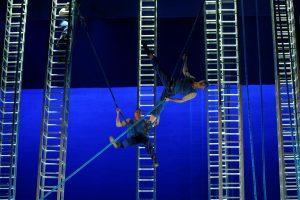 Operoje susitinka akrobatikos treniruočių bičiuliai